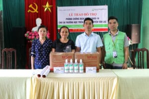 Hygiene kits distribuition in Vietnam