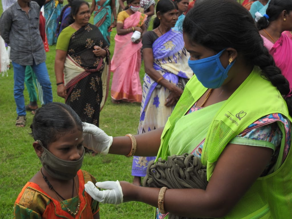 COVID-19 mask fitting in India